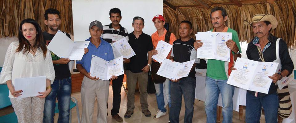 Certificación sello de calidad hecho a mano Luthiers Colombianos