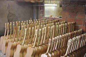 Producción de guitarras en Santander